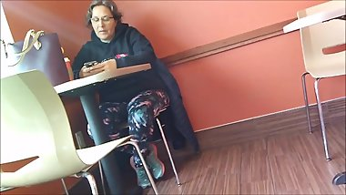 CANDID GILF LEGGINGS BENDING GREY HAIR VOYEUR FLIRTY GLASSES BIG ASS THICK!