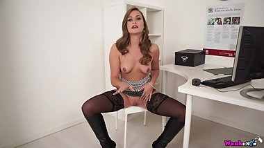 Sexy milf in boots joi